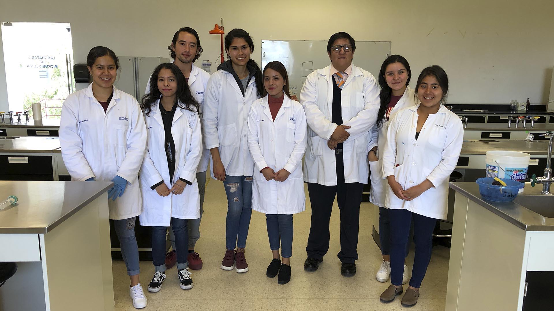 ¡Con ajo y toloache! Alumnos combaten enfermedades gastrointestinales