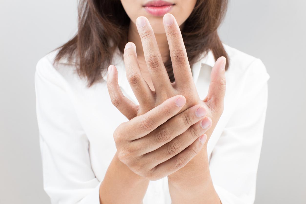Tener los dedos engrosados y presentar dolor, puede ser un síntoma de cáncer de pulmón